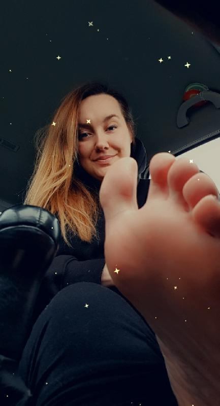 @ellie_feet