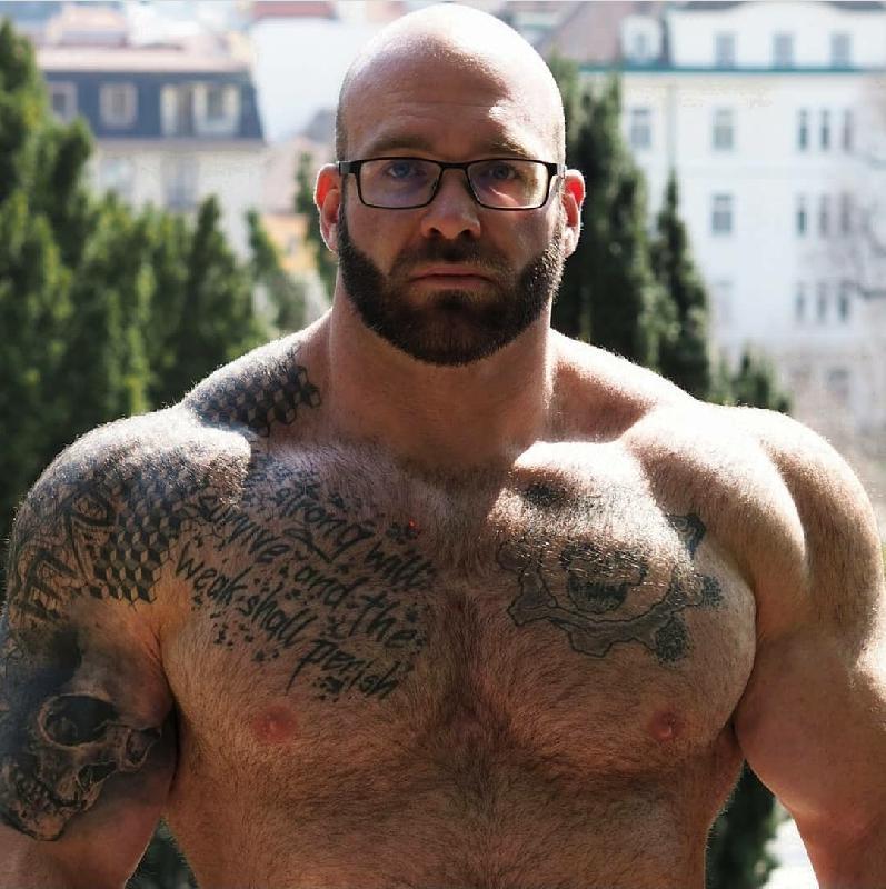 @hairy_musclebear